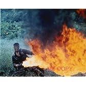 大きな写真「ディア・ハンター」火炎放射器のデ・ニーロ