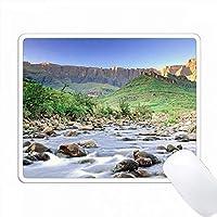 南アフリカのクワズール・ナタールの円形劇場とテゲラ川。 PC Mouse Pad パソコン マウスパッド