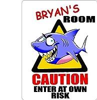 "Bryan Caution入力Sharkキッズ部屋ドア飾りサイン9"" x12""プラスチック。"
