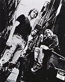 ブロマイド写真★ニルヴァーナ Nirvana/路地裏の3人/カート・コバーン、デイヴ・グロール、クリス・ノヴォセリック