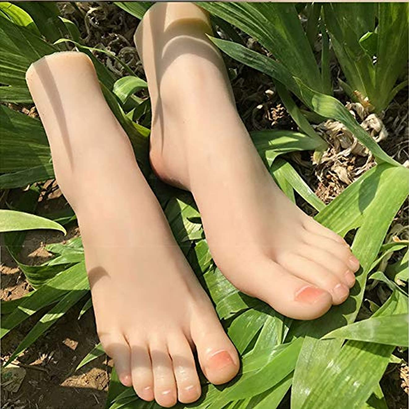 不信引き付ける意志に反する1ペアシリコーンのLifeSizeガールマネキンフットディスプレイJewerlyサンダル靴ソックス表示アートスケッチネイル