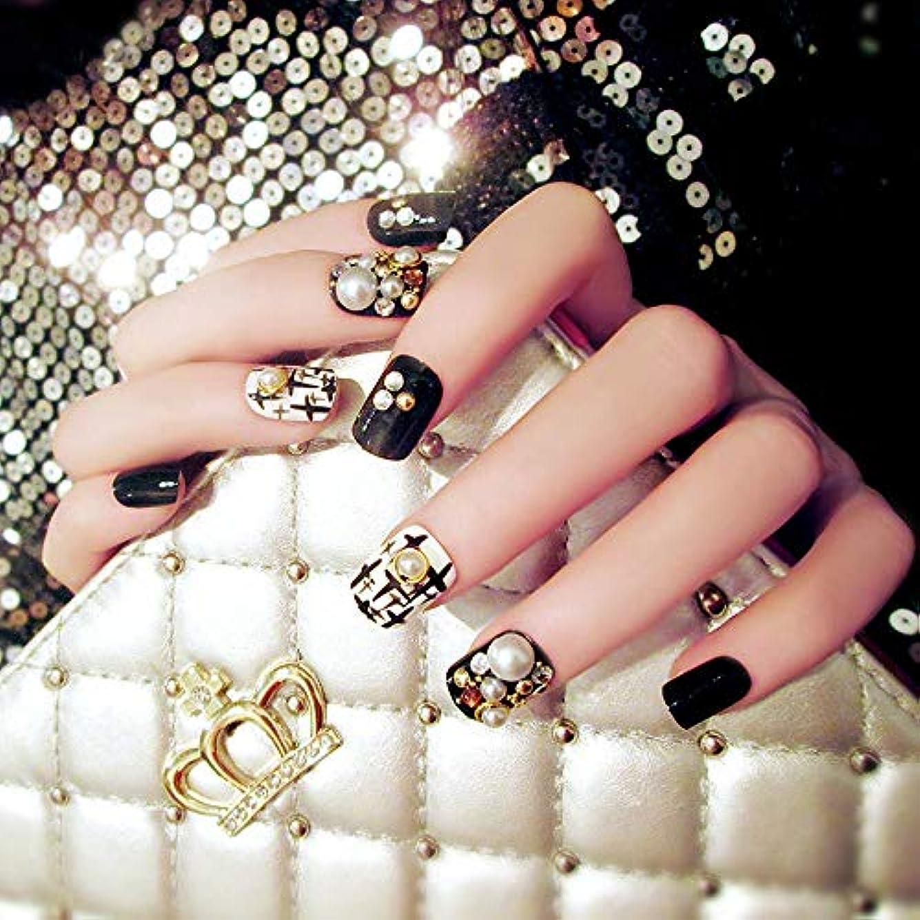 リネン反対したやりがいのある24本の高品質の美しい偽の黒い爪白真珠のデザイン偽の爪のヒントは偽の爪をカバー