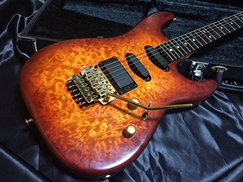 Valley Arts / Custom Pro USA / 2P ALL Quilt Maple Cherry Burst