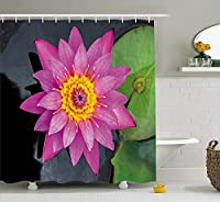Yeussロータスシャワーカーテンによる、ロータス花びら精神的な美しさ自然儀式チャクラ禅自由奔放に生きるプリント、フック付きファブリックバスルームの装飾セット、ホットピンクのシダグリーンダークグレー