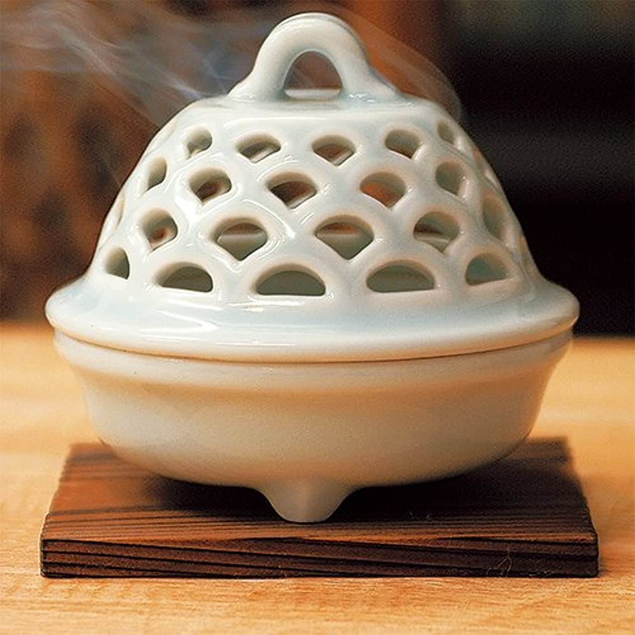 から波節約する香炉 青磁 透し彫り 香炉 [R9.5xH9cm] プレゼント ギフト 和食器 かわいい インテリア