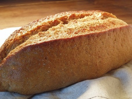 全粒粉100%パン(ドイツパン)    ※≪健康的で?驚くおいしさ≫しかも無添加。(天然酵母です) whole wheat 100% bread 全麥麵包100%