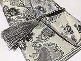 おしゃれ テーブル ランナー 空間 モダン インテリア リビング おもてなし アジアン ラグ 刺繍 カバー リネン 寝室 ベッド クロス 北欧 タッセル 付き (180×33cm, グレー)