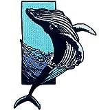 海からザトウクジラジャンプ刺繍のバッジのアイロン付けまたは縫い付けるワッペン