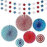 愛国的な吊り紙扇風機6個と赤白青の星のストリーマー3個。7月4日大統領のパーティー用品。