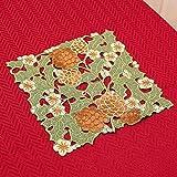 松かさ刺繍&カットワーククリスマスドイリー(花瓶敷き)約25x25cm