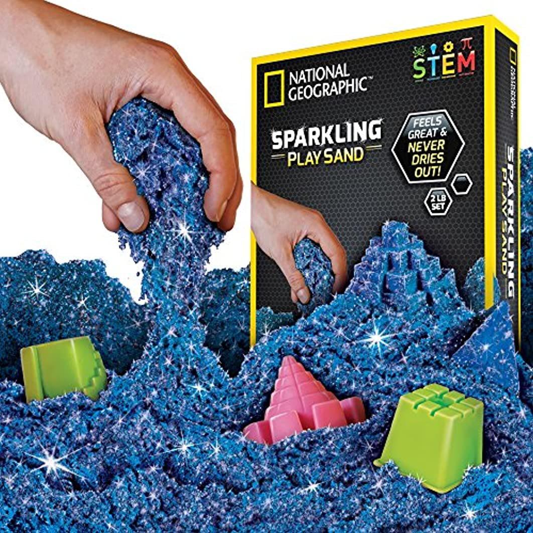化粧驚いたことに砂利(Sparkling Blue, 900 GRAMS) - National Geographic Sparkling Play Sand - 900 Grammes of Shimmering Sand with Castle Moulds (Blue) - A Kinetic Sensory Activity