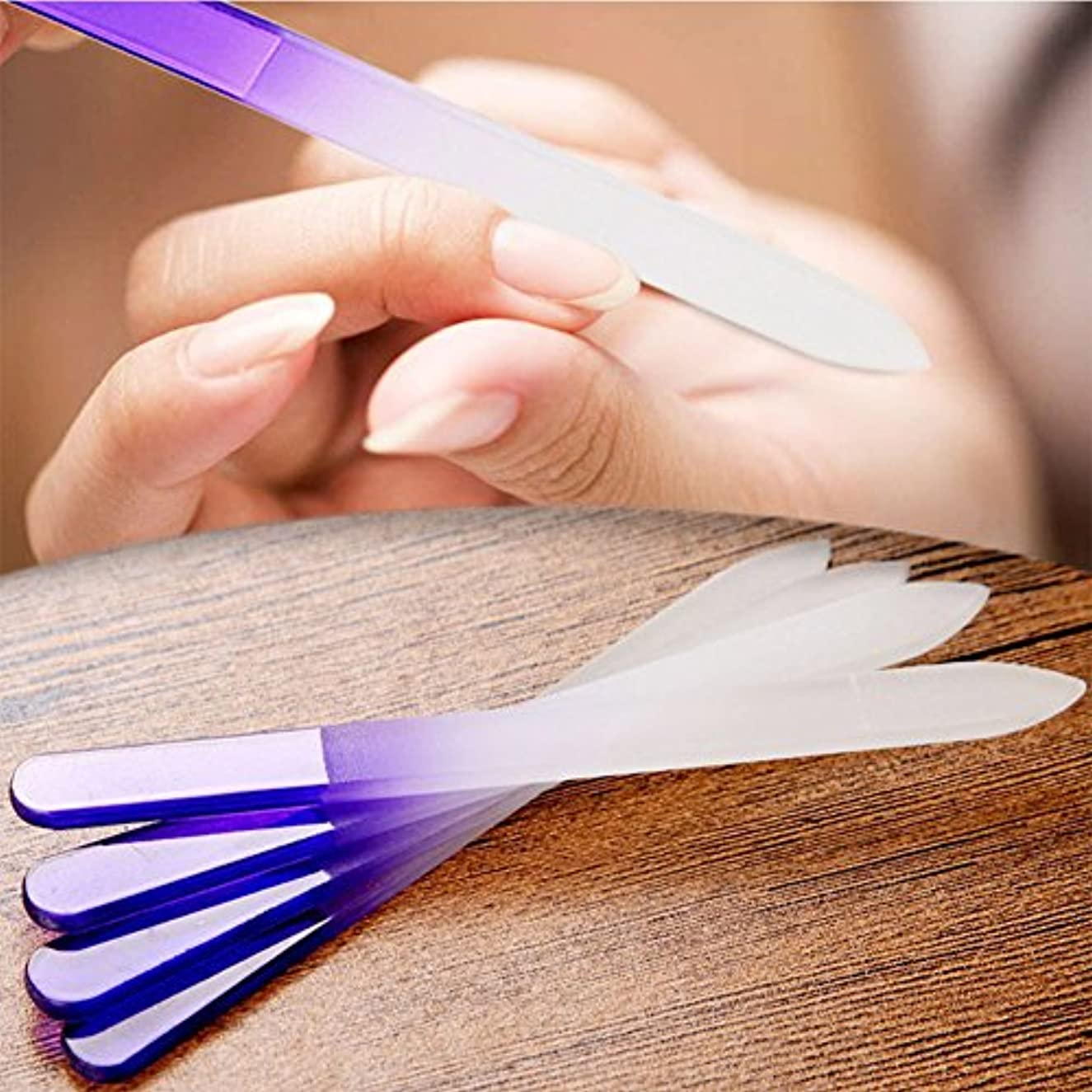 に慣れ勤勉な粘性のLiebeye マニキュア ネイル ファイル クリスタル ガラス ファイルバッファー 装置研磨 ネイル アート 装飾 ツール 4本