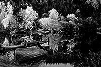 """ボートCoast秋lake-landscape–キャンバスプリントロールポスター–ブラックandホワイト20"""" x13"""" ( 50cmx33cm )–Unframed"""