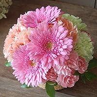 誕生日や記念日に 届いてそのまま飾れるフラワーギフト スイーツ風 フラワーアレンジメント 生花 ガーベラ 高さ約15cm