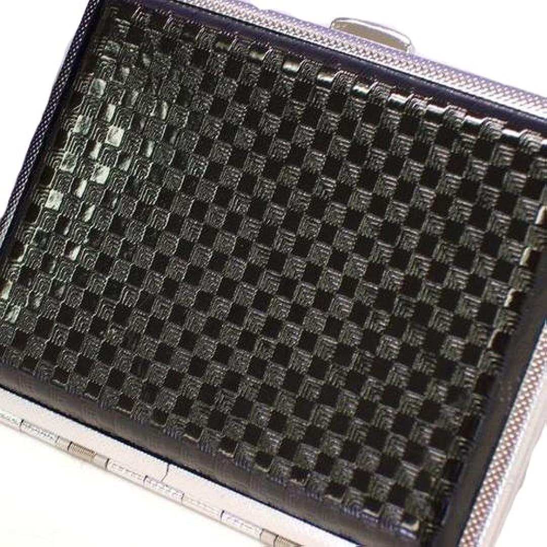年金受給者素晴らしい良い多くの絞るブラックスクエア市松模様シガレットケース★光沢あり307306300305縦横:約7.3×約9.5cm 16本サイズ B