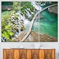 """DesignArt TouristパスでPlitvice Lakes風景写真キャンバスアートプリント 36"""" x 28"""" グリーン PT9071-3P"""