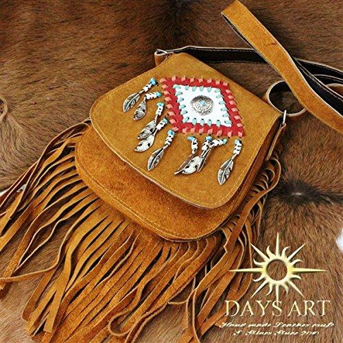 Days Art(デイズアート)本革スエード フリンジレザーバッグ ショルダーバッグ ネイティブ装飾 斜め掛け フェザー コンチョ レディース