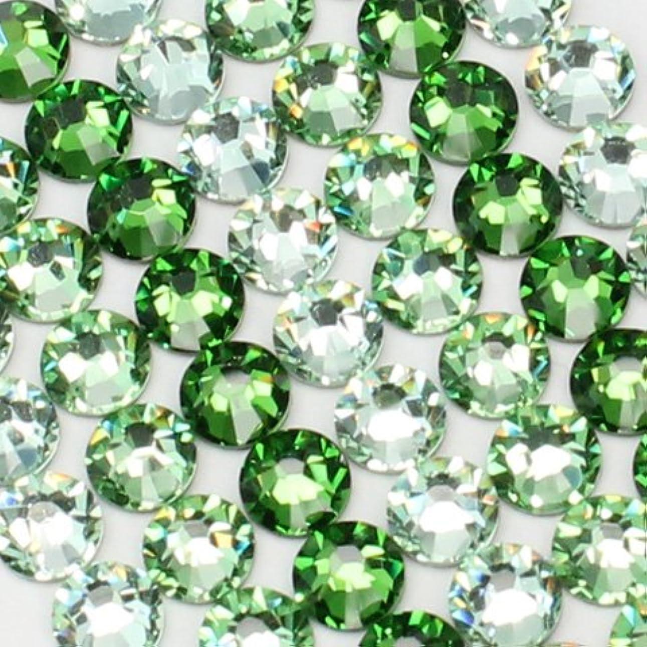 変装した破裂ソーダ水お試しアートMIX[グリーン]クリソライト、ペリドット、ファーングリーン/スワロフスキー(Swarovski)/ラインストーン ss12(各30粒)