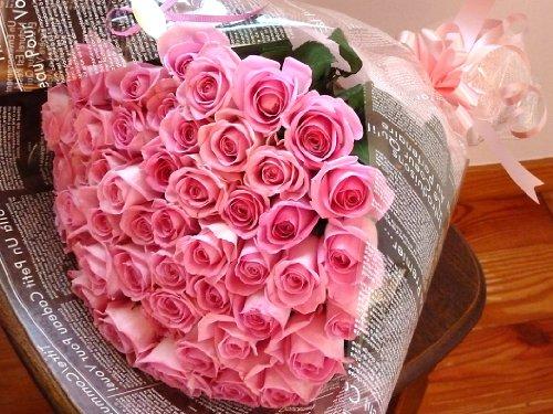 fleurcocoオリジナル【フラワーギフト】 女性に人気♪ ピンクバラ花束 50本 【お祝い 結婚記念日 誕生日プレゼント 記念日】