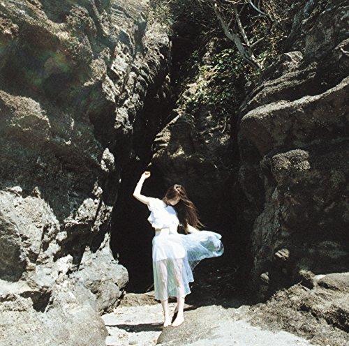 片平里菜「愛のせい」の歌詞に衝撃のフレーズ?!リリックビデオを公開!ライブ&ツアー情報あり♪の画像