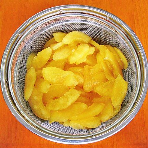 『正栄食品工業 国産 リンゴプレザーブ 扇形 2kg袋』の1枚目の画像