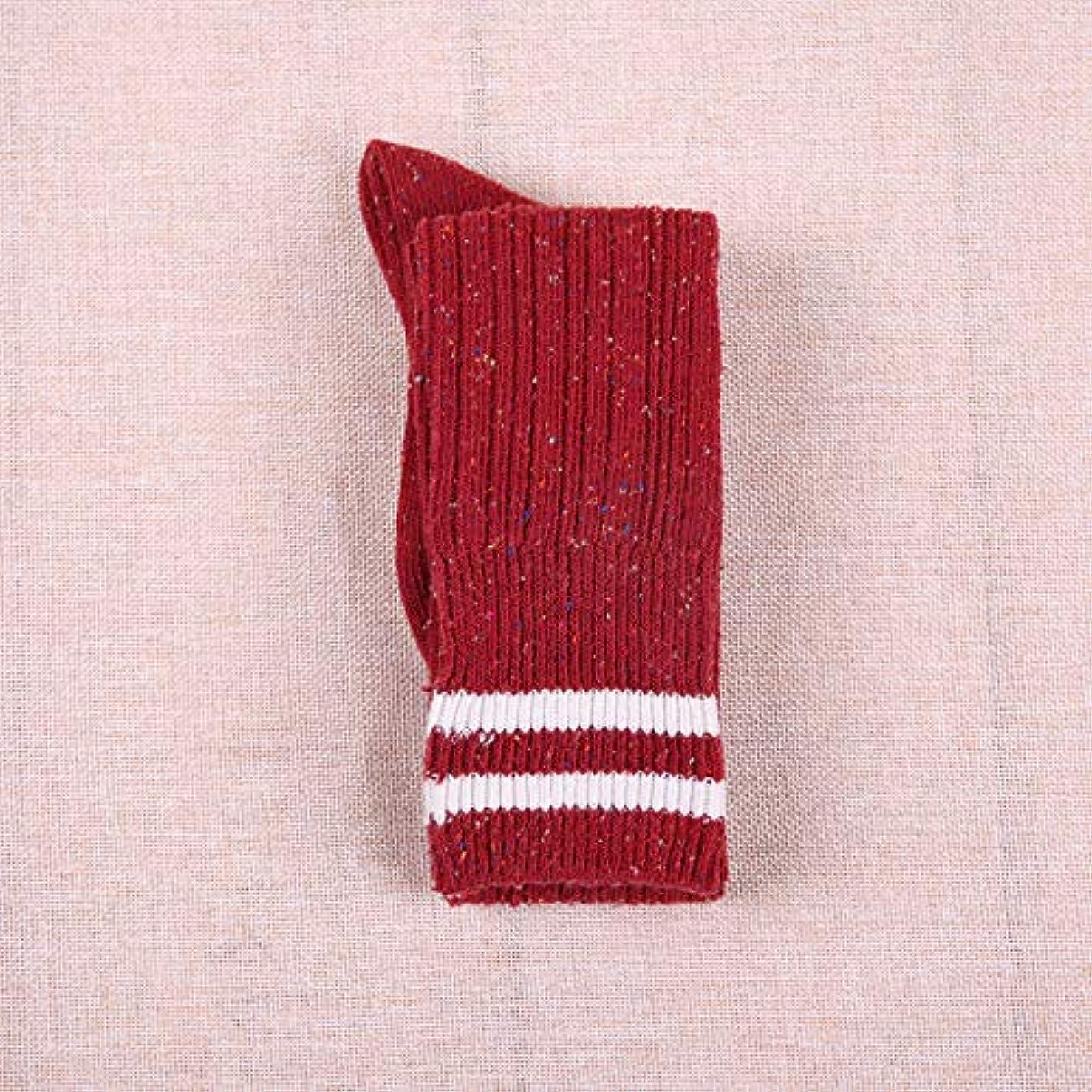 里親軽減メガロポリス膝のソックスの女性の潮無地の冬の暖かいレトロストッキングの2つのバーは、膝の学生太ももの靴下カレッジ風