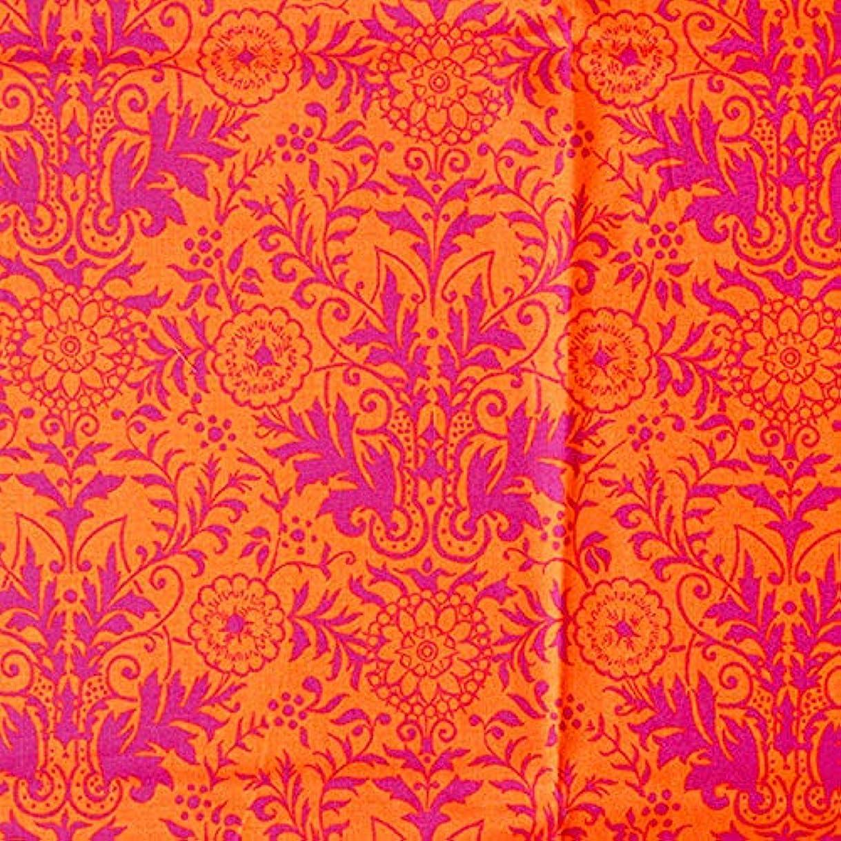 サラミどこにでも散髪キューティーファブリックス 輸入生地 Quilting Treasures キルティングトレジャー オレンジ?赤紫 草花 USAコットン 巾約110cm×50cmカットクロス 26106-OV-50 マルチカラー