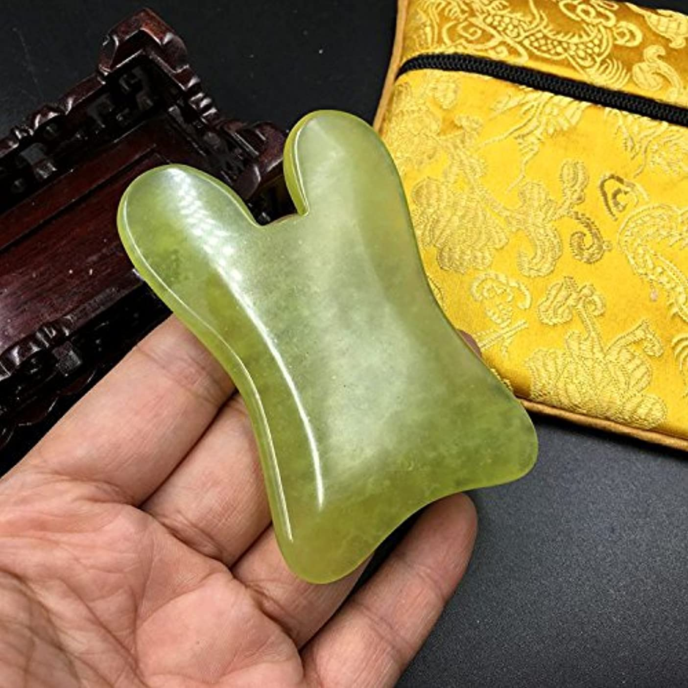 1点1pcFace / Body Massage Natural Jade Gua Sha Board U 形 shape かっさプレート 天然石 翡翠(顔?ボディのリンパマッサージ)