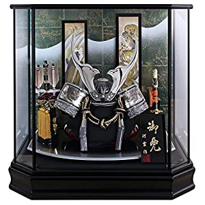 五月人形 兜ケース飾り 登竜門 シルバー貫前兜 間口48×奥行33×高さ47.5cm 六角黒塗ケース G775Z
