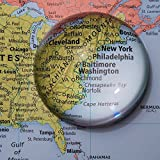 KINGMAS グラスワークス 拡大鏡 ルーペ アクリル 半円形 半球 クリスタル ペーパーウェイト 文鎮鏡 (直径8cm-5倍率)