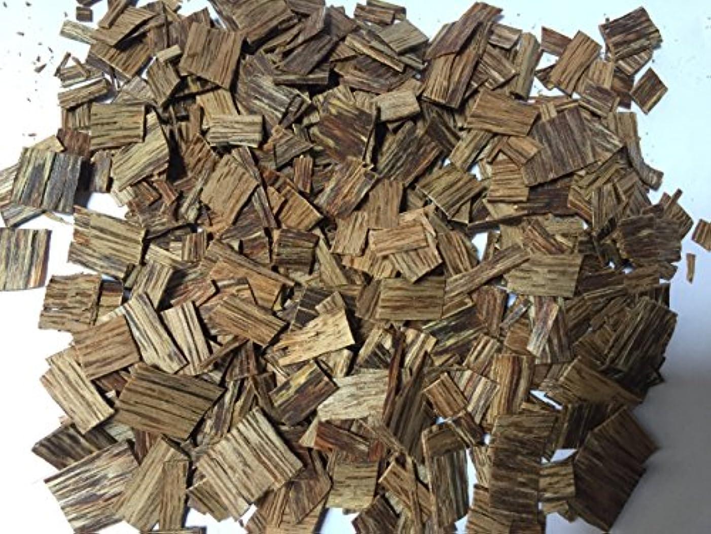 ルーチン傭兵の前でoudwoodvietnam. Com元Natural Wild Agarwood OudチップGrade A + | 100グラムお香アロマ
