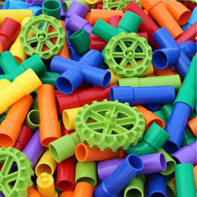 児童のアイデアの積み木はおもちゃを組み立てる