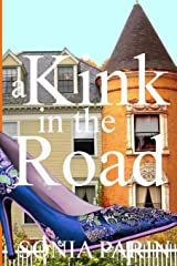 A Kink in the Road (A Deadline Cozy Mystery) ペーパーバック