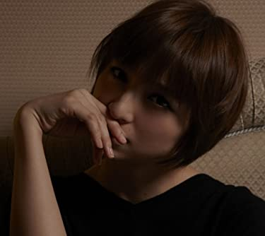 篠田麻里子  iPhone/Androidスマホ壁紙(960×854)-1 - 口元に手を置きこちらを睨む麻里子様