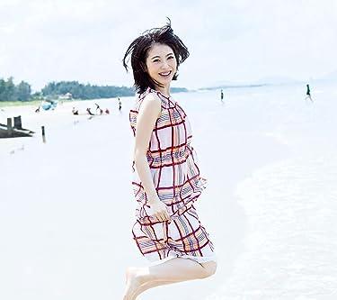 浜辺美波  iPhone/Androidスマホ壁紙(1080×960)-1 - ベトナムの海の浜辺でジャンプ