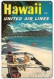 22cm x 30cmヴィンテージハワイアンティンサイン - ハワイ - ユナイテッドエアラインズ - ダイヤモンドヘッドクレーターの前でハワイアウトリガーカヌーでのカップル - ビンテージなハワイの旅行のポスター c.1960s