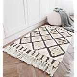 Seavish Tufted Cotton Area Rug,2X 3 Black Geometric Hand Woven Tassel Throw Rug Shag Accent Fringe Rag Rug for Living Room Be