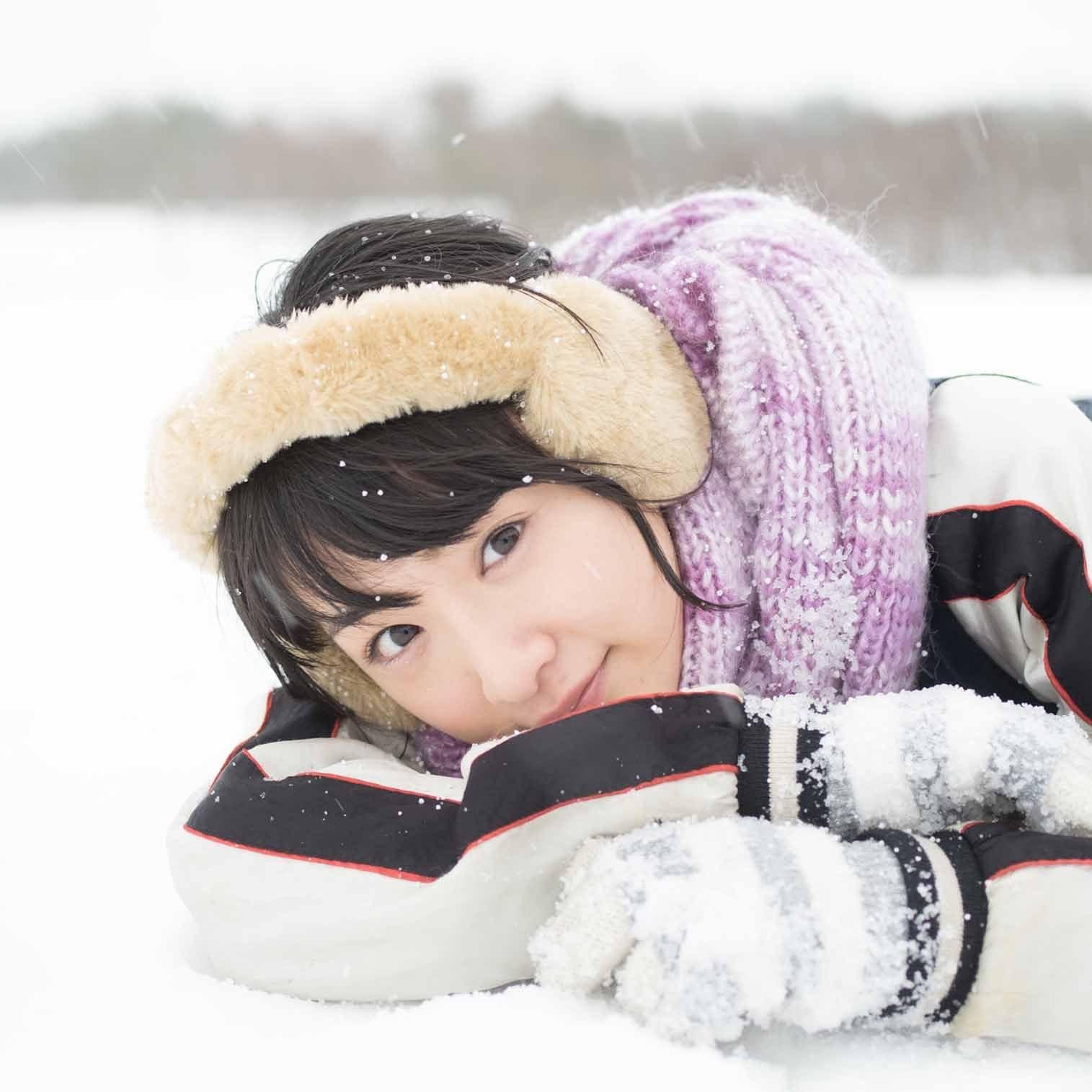 乃木坂46 生駒里奈ファースト写真集『君の足跡』 雪の上で寝る iPad壁紙 画像47449 スマポ