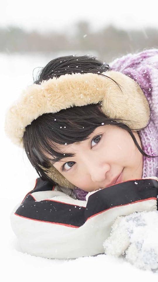 乃木坂46 生駒里奈ファースト写真集『君の足跡』 雪の上で寝る QHD(540×960)壁紙 画像45096 スマポ