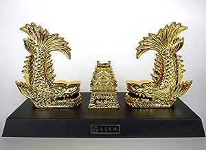 金鯱つがいと名古屋城 名古屋のシンボルの城と金鯱の置物