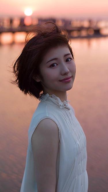 浜辺美波  iPhone/Androidスマホ壁紙(750×1334)-1 - 写真集 voyage 夕日を背に