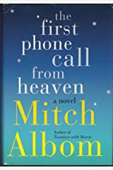 The First Phone Call From Heaven - Large Print Edition ハードカバー