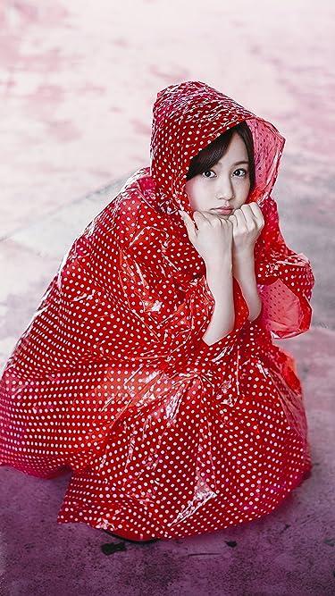 乃木坂46  iPhone/Androidスマホ壁紙(1125×2001)-1 - 赤ずきんちゃんのような雨合羽の星野みなみさん