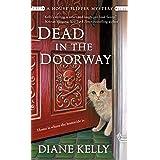 Dead in the Doorway: A House-Flipper Mystery: 2