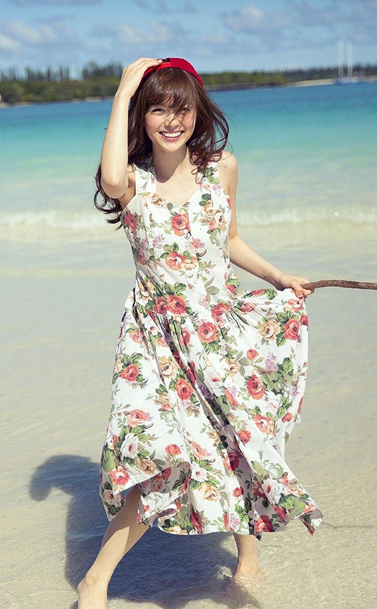 乃木坂46 浜辺で花柄のワンピースを着た笑顔の白石麻衣さん iPhone4s 壁紙 視差効果  画像34212 スマポ