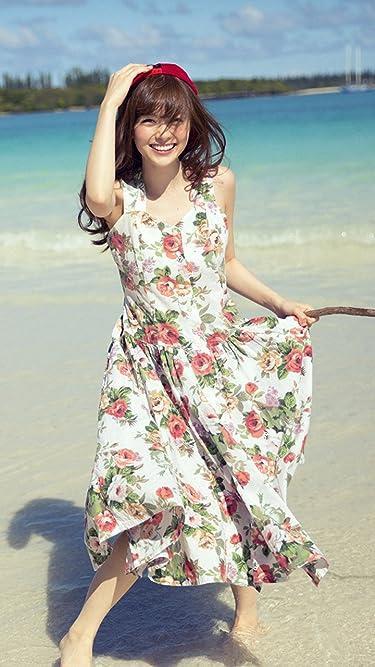 乃木坂46  iPhone/Androidスマホ壁紙(720×1280)-4 - 浜辺で花柄のワンピースを着た笑顔の白石麻衣さん