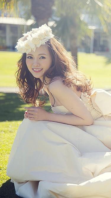 乃木坂46  iPhone/Androidスマホ壁紙(720×1280)-4 - ドレスを着てしゃがむ白石麻衣さん(1stフォトブック MAI STYLE)