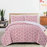 Great Bay Home 3-Piece Reversible Quilt Set with Shams. Microfiber Bedspread with Holiday Pattern. Frost Collection Holiday Q