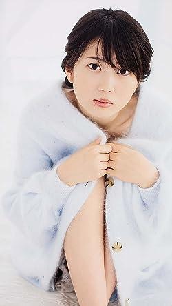 志田未来の人気壁紙画像 膝を抱えて座る志田未来さん