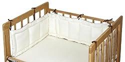 設置方向を変えれば、大人のベッドでの「添い寝」にも